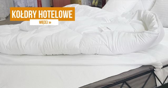 Kołdry hotelowe - Komfortowe poduszki oraz kołdry hotelowe zaprojektowane są z myślą o przyjemności snu i wypoczynku. Dostosowane zostały do specyficznych wymagań obiektów noclegowych. Wykazują odporność na intensywną eksploatację. Poddawane częstemu praniu w wysokich temperaturach nie tracą swoich właściwości. Pozostają przyjemne w dotyku i zapewniają optymalny komforty cieplny użytkownikom. Posiadamy produkty w różnych rozmiarach.